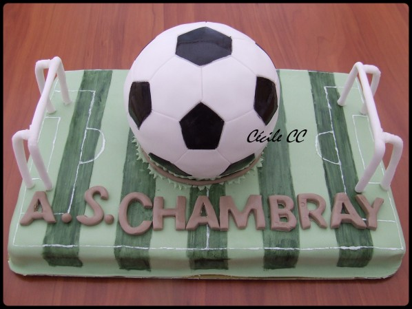 photo décoration gateau terrain de foot
