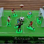 Décoration gateau terrain de foot