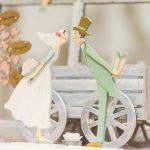 Figurine gateau mariage en bois