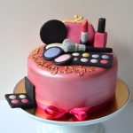 Décoration gateau maquillage