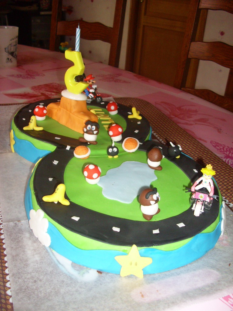 photo d coration gateau mario kart. Black Bedroom Furniture Sets. Home Design Ideas